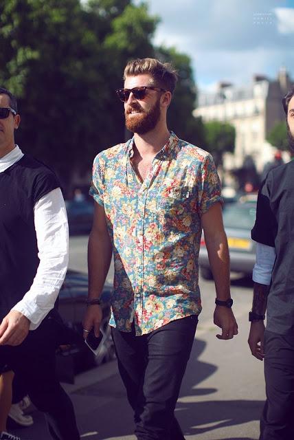 Dicas de Como Usar Camisa Estampada Masculina – Verão 2017 – Blog do ... 8cf2f2862b5ef